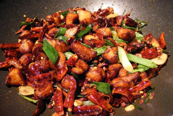 sichuan-chicken-with-chiles-laziji